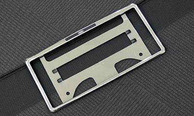Audi ライセンスプレートホルダー image 1