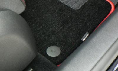 VW純正 フロアマット固定パーツ image 1